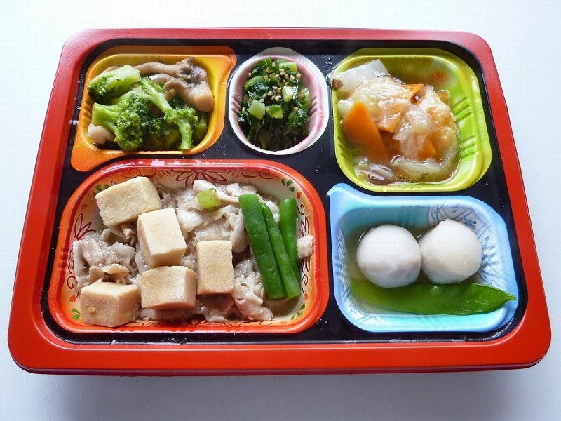 食宅便 豚肉と高野豆腐の煮物9